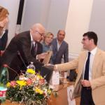 16 Lello Antonelli saluta e ringrazia il Dottor Antonio Popolla per il suo sostegno verso i giovani