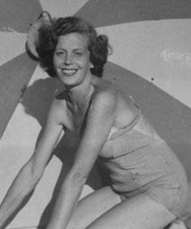 Giuseppina Marrazzo in Antonelli sarta del Teatro San Carlo Sartoria Napoletana, artigiano, sarto, sartoria antonelli, sartoria artigianale, artigianato napoletano, napoli