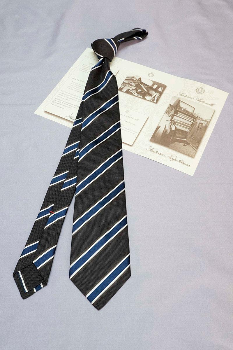 Cravatte regimental sartoria napoletana Sartoria Napoletana, artigiano, sarto, sartoria antonelli, sartoria artigianale, artigianato napoletano, napoli