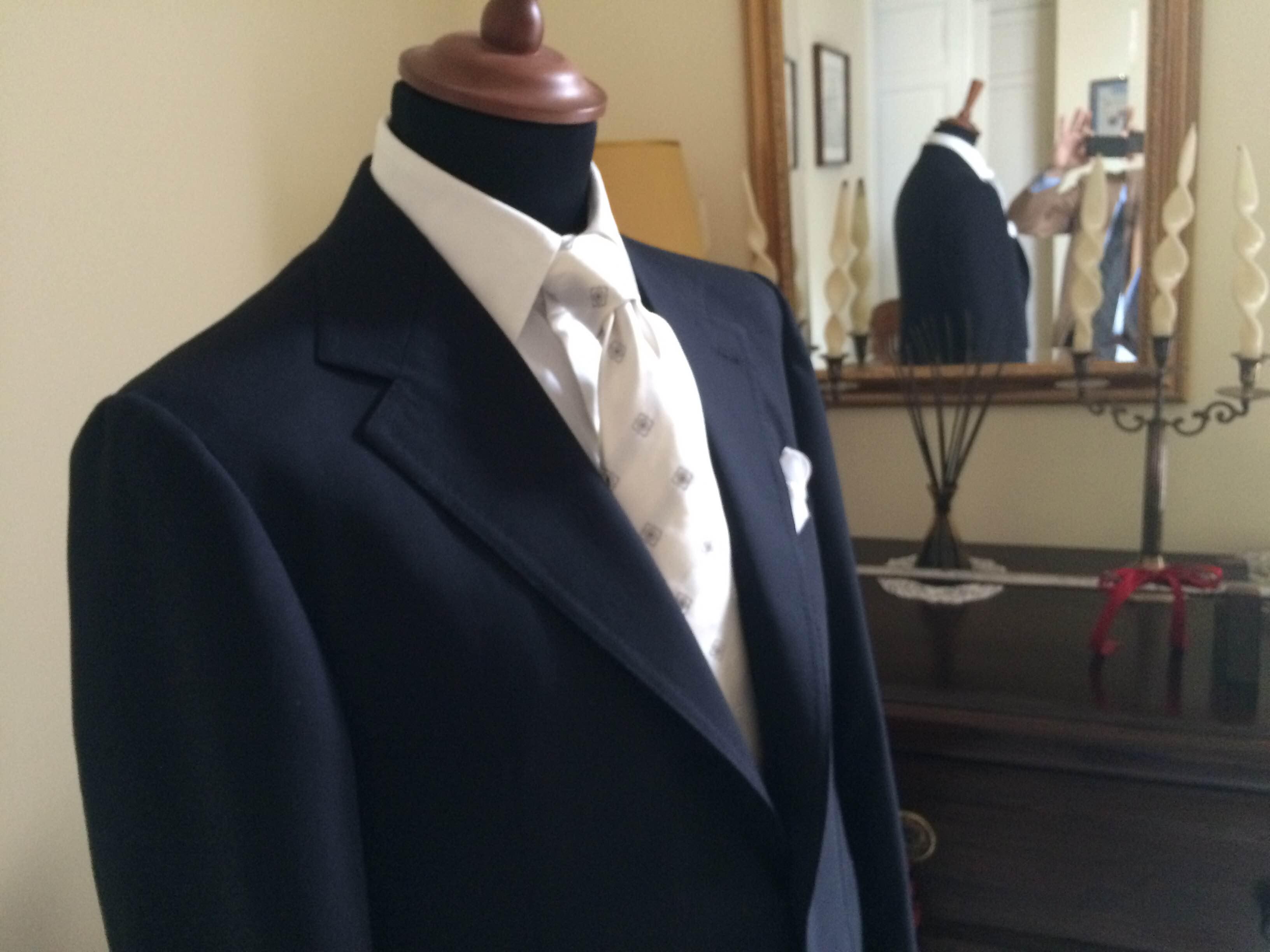 Abito blu da cerimonia sartoria napoletana Sartoria Antonelli, artigiano, sarto, sartoria lello antonelli, sartoria artigianale, abiti su misura, artigianato napoletano, napoli